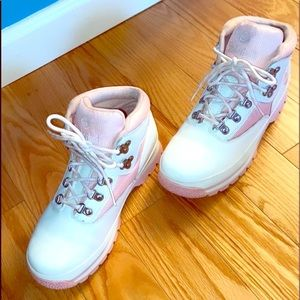 White & Pink TIMBERLAND Leather Boots - YOUTH 4.5